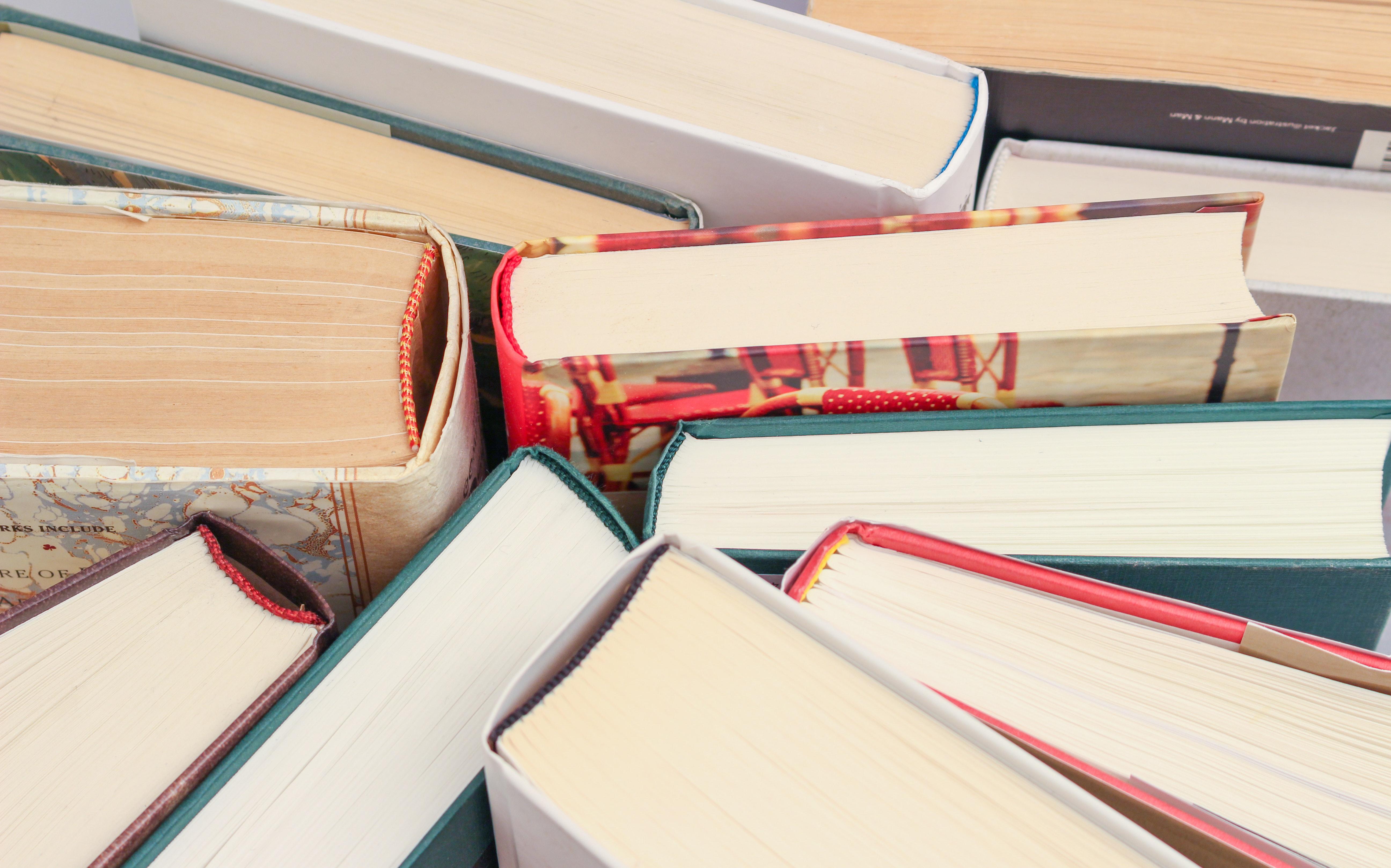 עם אילו שירותי הוצאת ספרים כדאי להיעזר באנשי מקצוע?